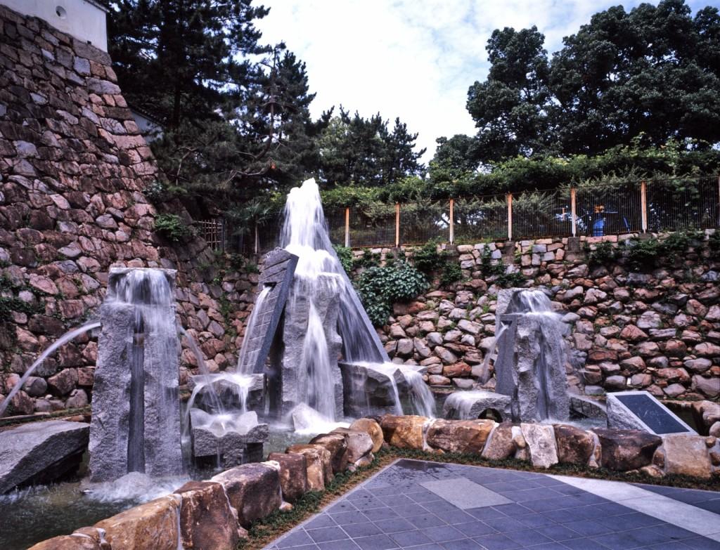 WATER CASTLE 1992